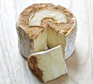 Melus mignon - Hangeschöpfter Camembert mit Apfelhaube